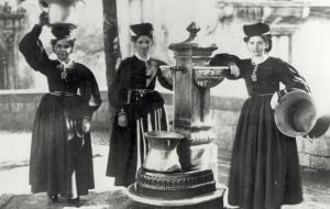 Costumi tradizionali abruzzesi, inizio XX secolo.