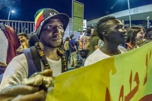 Manifestazione-di-solidarietà-con-la-nave-Aquarius-ph.-A.-Belvedere1.jpg