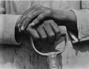 Mani sul badile, Messico, 1926 Tina Modotti.