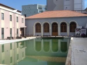 La-piscina-nello-spazio-destinato-agli-spettacoli-estivi-Copia