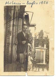 Corrado Alvaro a Milano, luglio 1920.