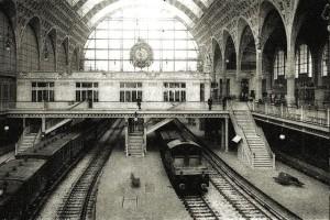 Stazione-di-Parigi-di-fine-Ottocento