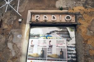 Insegna-anni-40-in-corso-Vittorio-Veneto-a-Mazara-ph.-Giaramidaro