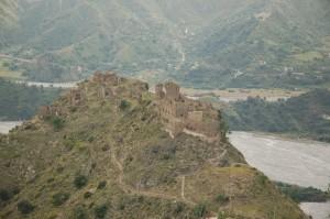 Amendolea antica. Abbandonata dopo alluvione del 1951. Castello e rovine, 5 maggio 2011 (ph. V. Teti)