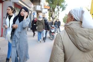 Tunisi, donne in strada (ph. Roberto Ceccarelli).