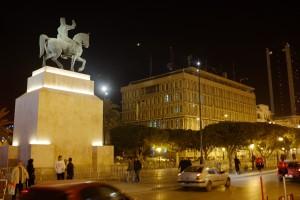 Tunisi, visione notturna di avenue Bourguiba (ph. Roberto Ceccarelli).