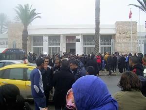 Manifestazione-di-disoccupati-davanti-il-tribunale-di-Gabes-ph.-Venezia.