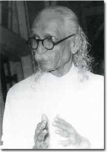 4-swami-kuvalyananda