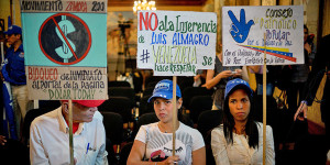 Pacifisti-manifestano-a-Caracas.