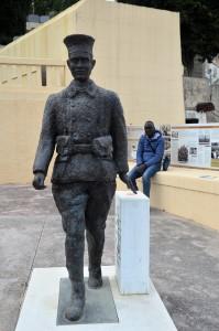 La statua che ricorda il sacrificio dei tirailleurs sénégalais (ph. Casalini)