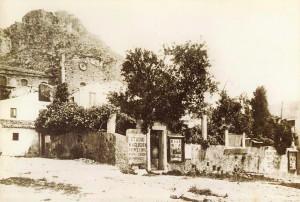2-la-casa-di-von-gloeden-in-piazza-san-domenico-1