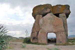copertina-dolmen-in-sardegna-sa-coveccada