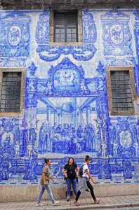 porto-chiesa-dedicata-alla-madonna-rivestita-di-azulejos
