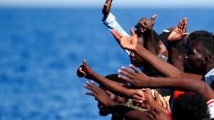 sbarcati-migranti-lampedusa