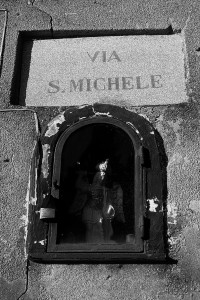 17edicola-con-s-michele-nel-borgo-di-procida