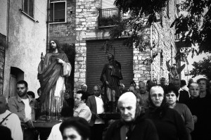 4processione-per-la-festa-di-s-michele-a-liscia-in-abruzzo-ph-ceccarini