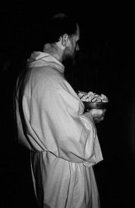 5le-pietre-sacre-del-santuario-micaelico-di-monte-s-angelo-in-puglia-ph-ceccarini