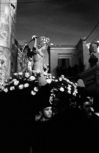 8la-processione-a-monte-s-angelo-in-puglia-ph-ceccarini