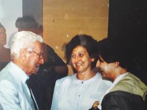 6-1987-munari-in-occasione-dei-suoi-8o-anni-festeggiato-a-faenza-nel-museo-della-ceramica