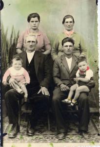 gruppo-di-famiglia-foto-colorata-a-mano-anni-40