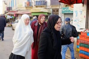 tunisia-tre-donne-in-un-mercato-della-capitale-foto-roberto-ceccarelli