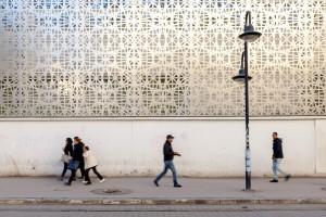 tunisia-il-passeggio-dvanti-allistituto-francese-di-cultura-foto-roberto-ceccarelli