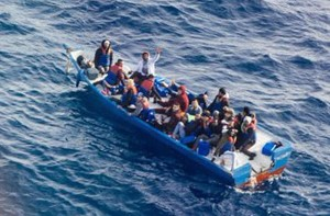barcone-in-difficolta-nel-mediterraneo-salvini-i-famosi-20-migranti-salvati-dalla-libia