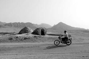 9-antichi-pozzi-sulla-strada-per-il-deserto-mesr-iran