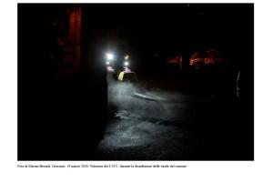 03_foto-di-marina-berardi-grassano-19-marzo-2020-volontari-del-c-o-c-durante-la-disinfezione-delle-strade-del-comune