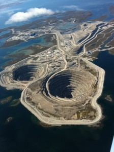 1-diavik-diamond-mine-in-lac-de-gras-nwt