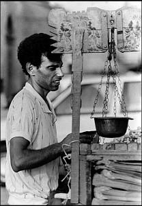 4-marzamemi-venditore-di-calia-foto-nino-privitera