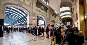 Milano, controlli ai passeggeri