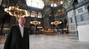 foto-8-erdogan-allinterno-di-santa-sofia