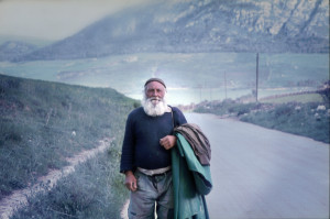 pastore-al-ritorno-dal-pascolo-piana-degli-albanesi_1983