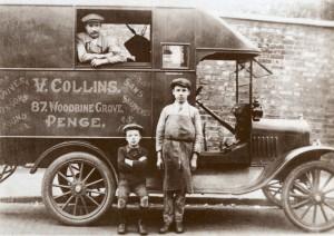 gran-bretagna-vigilio-collini-collins-con-i-figli-e-il-loro-camioncino-da-arrotini-a-londra-1919