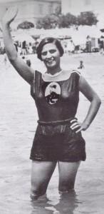 17il-bagno-delle-fanciulle-in-epoca-fascista