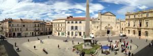 Arles, Place de la Repubblique (ph. Giuseppe Sinatra)