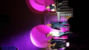 """Jean-Charles Adami esegue un canto polifonico còrso insieme al gruppo """"I Muvrini"""", agosto 2018 (ph. Flavio Lorenzoni)"""