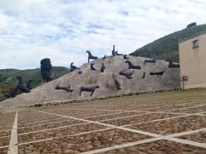 Montagna di sale, di Mimmo Paladino