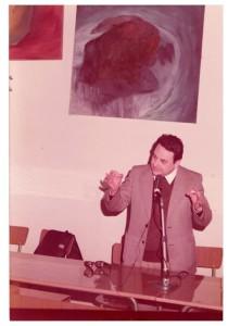Durante una conferenza, anni 70