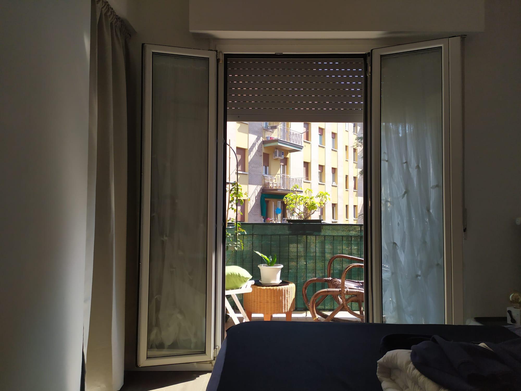 Lavorano Spesso Alle Finestre il coronavirus dalla finestra di casa mia. frammenti di